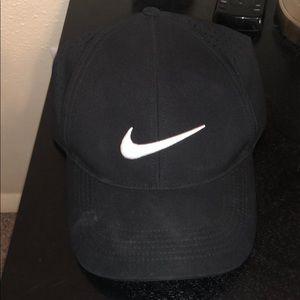 Black Nike Golf hat